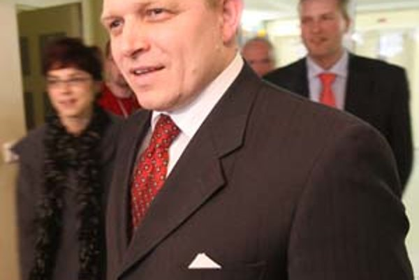 Premiér Robert Fico novinárov na rokovaní s Vladimírom Mečiarom nečakal.