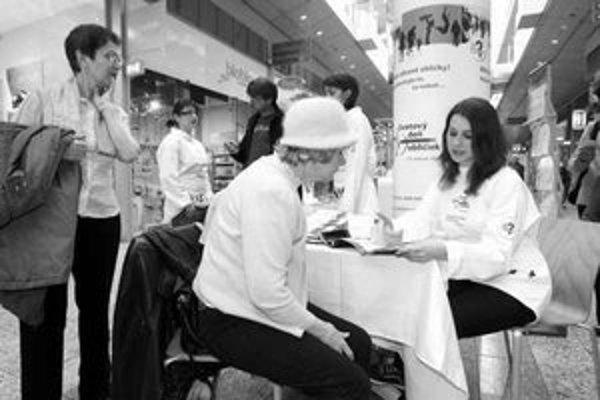Len v bratislavskom obchodnom centre si dalo otestovať obličky vyše tisíc ľudí.