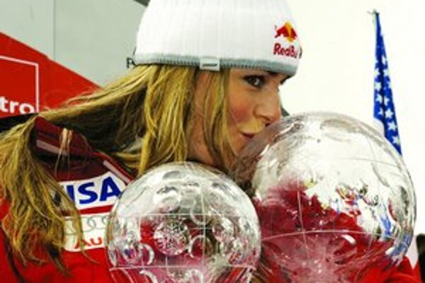 Lindsey Vonnová vyhrala v tejto sezóne Svetový pohár v celkovom poradí i v zjazde.