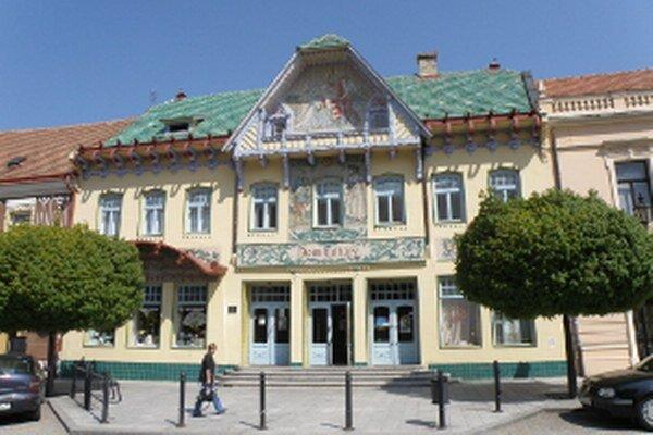 Kultúrny dom v Skalici, niekdajší Spolkový dom od známeho architekta Dušana Jurkoviča, v ktorom otvoria nové, reprezentatívne priestory Turistickej informačnej kancelárie.