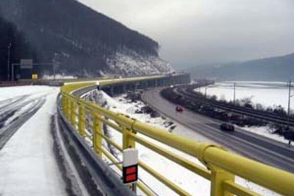 Dopravné problémy sa v Žiline a okolí po otvorení diaľnice zmenšili.