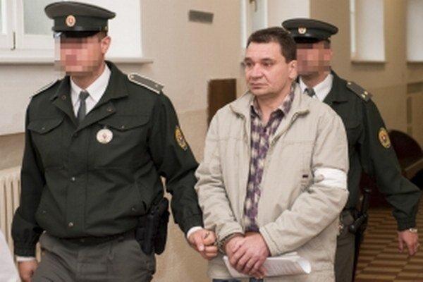 Obvinený Tibor P. a príslušníci Justičnej stráže Okresný súd Bratislava I.