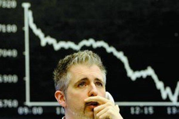 Európske trhy včera reagovali na americkú krízu pádom cien akcií. Frankfurtská burza nebola výnimkou.