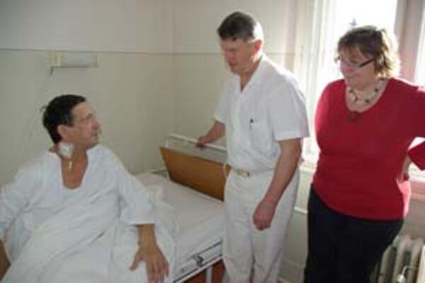 Vladimírovi Vlčekovi pred týždňom úspešne transplantovali jubilejnú stú obličku.