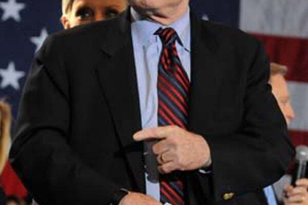 McCain má dôvod na úsmev.