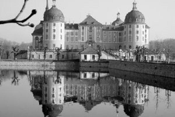Na zámku Moritzburg sa nachádza najväčšia zbierka neskorobarokových kožených tapiet na svete.