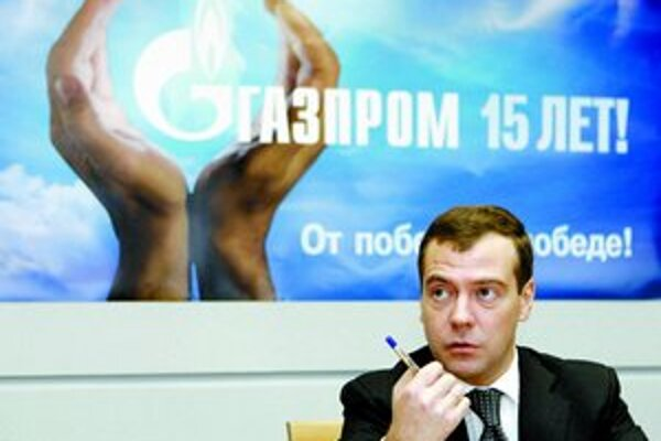 Firma Gazprom oslavuje 15 rokov svojej existencie. Štát v nej vlastní viac ako polovicu akcií. Rusko ju preto často používa na dosiahnutie niektorých strategických zámerov v zahraničí. Najnovšie aj v spore s Ukrajinou. Na oslavách sa zúčastnil aj preziden