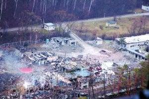 Dňa 2. marca 2007, krátko po 16.30 došlo k výbuchu v delaboračnej hale VOP Nováky, kde sa likvidovala munícia. V zmene vtedy pracovalo 25 ľudí, ôsmi výbuch neprežili, mnohí boli zranení. Tlaková vlna vybila ľuďom okná až v Prievidzi.