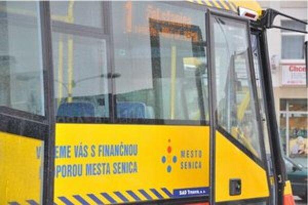 Radnica skresá autobusové spoje.