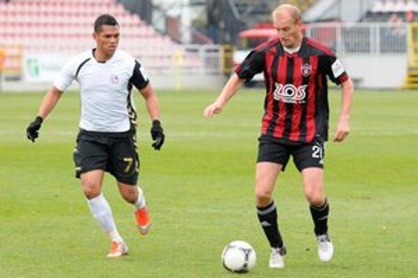 Rolando Blackburn (vľavo) bude reprezentovať rodnú Panamu