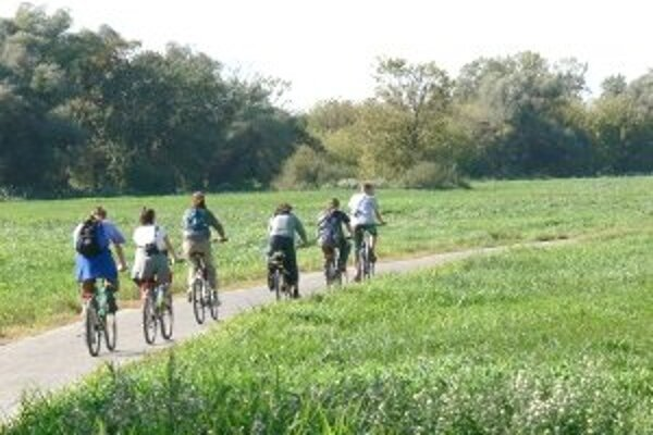 Cestu musia pred zmenou na cyklotrasu najskôr opraviť.