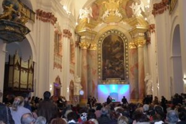 Šurin rozozvučal aj organ v jezuitskom kostole v Skalici.