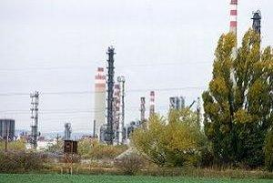 Novým ropovodom má tiecť ruská ropa do rakúskej rafinérie OMV.
