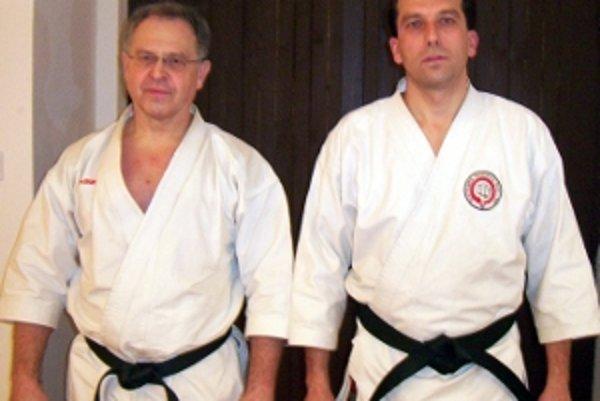 Tréneri Martin Čulen (vľavo) a Jaroslav Rehuš. Majú veľkú zásluhu na úspechoch Hanko kai karate klubu Senica.