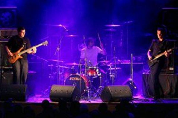 Kapela už koncertuje viac ako osem rokov