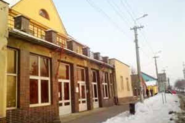 Kultúrny dom v Holíči. Miesto najbližšieho výjazdového rokovania Vlády Slovenskej republiky.