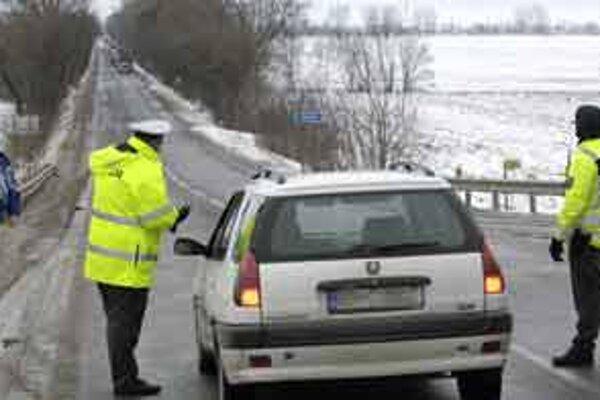 Muž v Malackách policajnej hliadke nezastal. Naháňačka trvala 50 kilometrov.