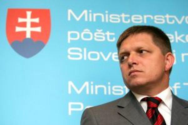 Premiér Robert Fico je stále presvedčený, že diaľnica medzi Bratislavou a Košicami bude dokončená v roku 2010.