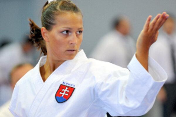 Erika Hrušecká v plnom súťažnom zaťažení.
