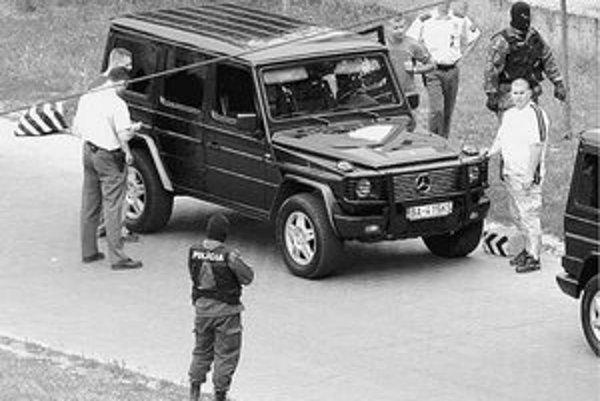 Členov Piťovej skupiny polícia často kontroluje.