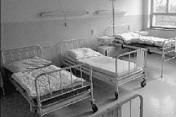 Počet nemocničných lôžok na Slovensku je vyšší ako je priemer Európskej únie. Ministerstvo vypracovalo analýzu, podľa ktorej by sa malo niekoľko tisíc lôžok zrušiť.
