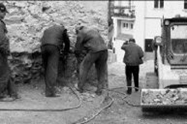 V Česku platí nový Zákonník práce, ktorý sa dotkne aj tisícov Slovákov pracujúcich u našich susedov. Len v stavebníctve je ich okolo 50-60 tisíc.ILUSTRAČNÉ