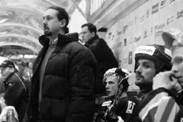 Tréner Zdeno Cíger zažil na striedačke Slovana štvrtú prehru za sebou. Ostane?