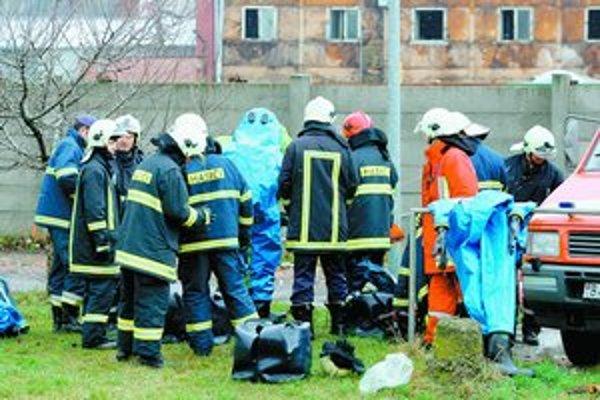 Mimo haly žiadne z meraní troch pracovníkov spoločnosti Istrochem zvýšený výskyt plynu neukázalo.