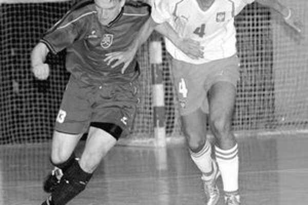 Vojtech Várady (vľavo) v súboji s Poliakom Mariusom Kazmiercakom.