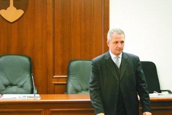 Pavol Bielik (na snímke) prijal rozsudok chladne, bez emócií. Sprostredkovateľ úplatku Jaroslav Šuščák sa pri odôvodnení niekedy ironicky usmieval.