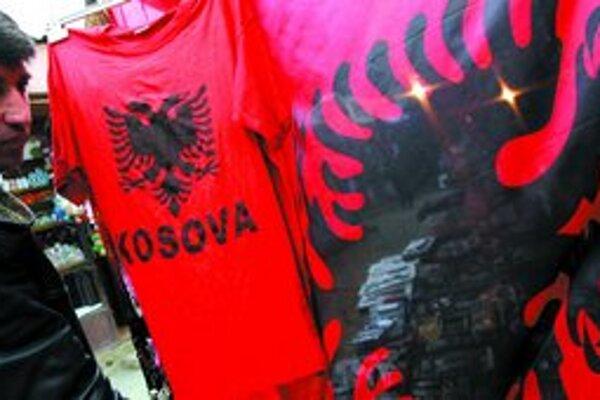 Kosovskí Albánci majú na svoju budúcnosť jasný názor, nič iné ako nezávislosť nechcú.