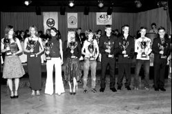 Text: Ocenení pretekári na plese karatistov.Foto: archív