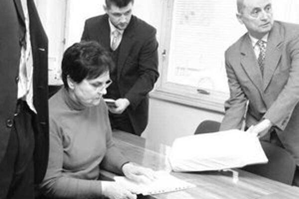 Exminister spravodlivosti Ján Čarnogurský zastupoval na pojednávaní firmu TB Factor. Jej pohľadávku advokáti odmietli.