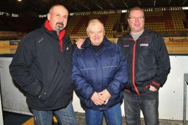 Zdeno Cíger a Róbert Švehla (vpravo) privedú reprezentáciu do Martina. Fandiť im bude môcť aj ich bývalý tréner Ladislav Jesenský.