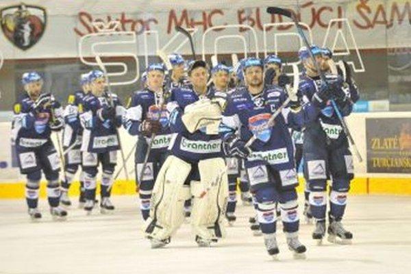 Ján Tabaček doviedol ako kapitán vminulej sezóne tím MHC do play off.