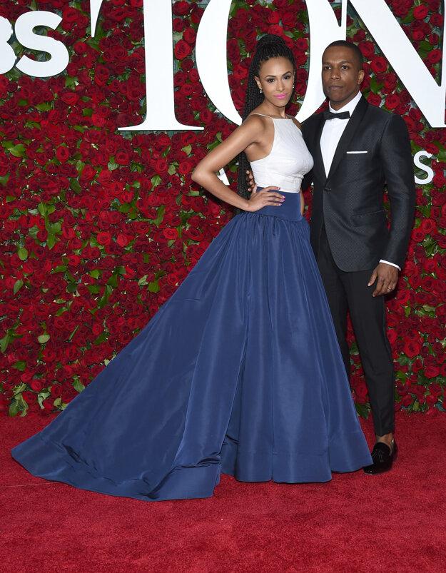 Nicolette Robinson a Leslie Odom Jr.