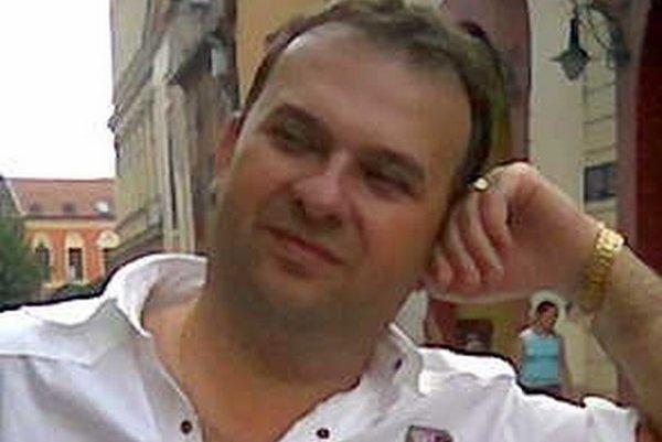 L. Bernáth.