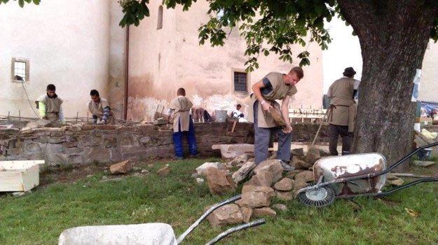 Murári stavali na festivale múr.