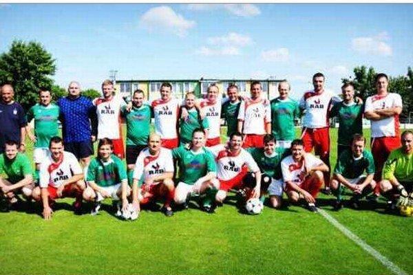 Partia výborných futbalistov Stála pri zrode Futbalovej školy v Nových Zámkoch.