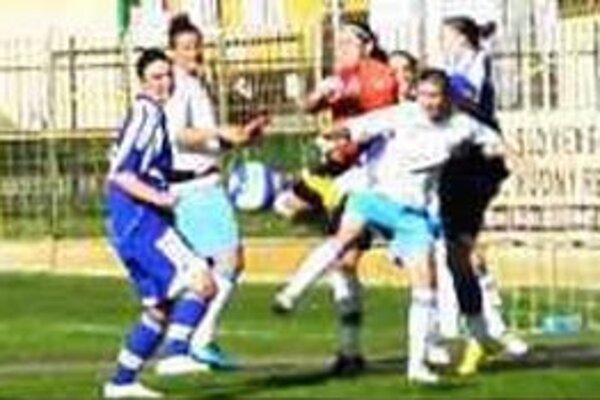 O všetkom sa rozhodne v stredu, Ilustračné foto z predchádzajúceho zápasu Union-Slovan.