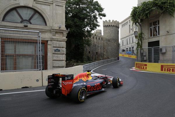 Formula 1 sa prvý raz predstaví v Azerbajdžane.