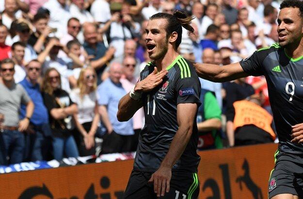 Je oporou Walesu. Gareth Bale (vľavo) strelil na šampionáte už dva góly.