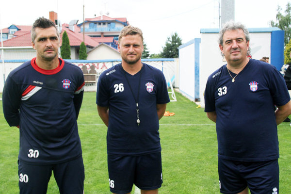 Sprava hlavný tréner Peter Gergely, asistent Peter Jakuš a gólman Pavel Kováč, ktorý má pôsobiť aj ako tréner brankárov.