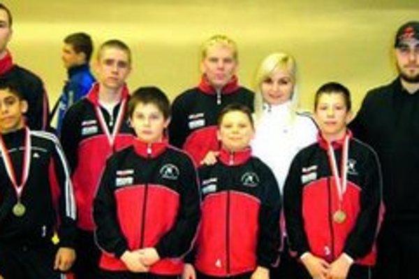 Úspešná výprava zápasníkov V Érde získala aj niekoľko medailí.