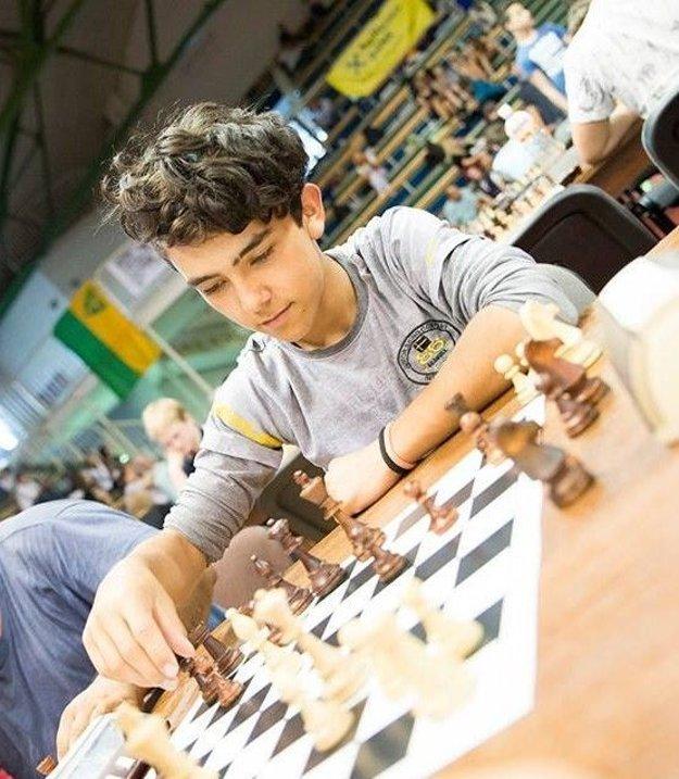 Viktor je šachový talent