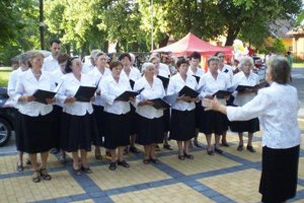 Na svoje si na hodoch prišli mladí, starí, kuchári, športovci, tanečníci aj speváci.