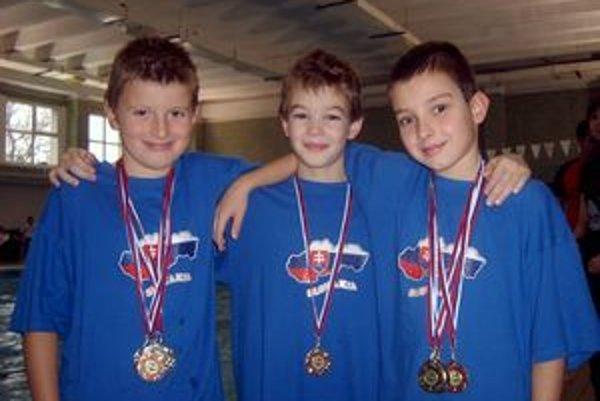 Úspešní medailisti: zľava Nyári, Rosa, Ščevlík.