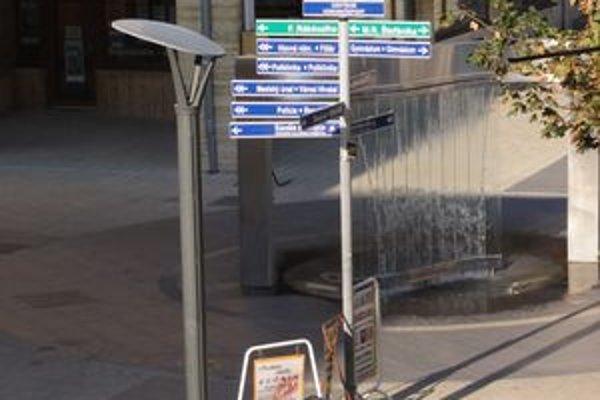 V Nových Zámkoch majú informačný systém pre chodcov už niekoľko rokov.