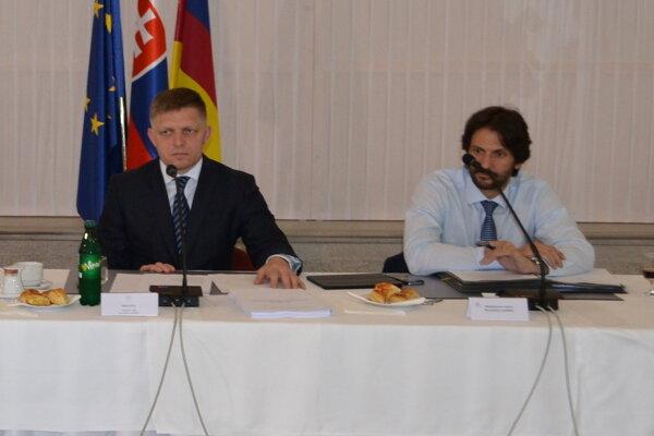 Robert Fico a Róbert Kaliňák na výjazdovom rokovaní v Lučenci.