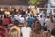 Festival otvorila príhovorom starostka obce Klenovec Zlata Kaštanová